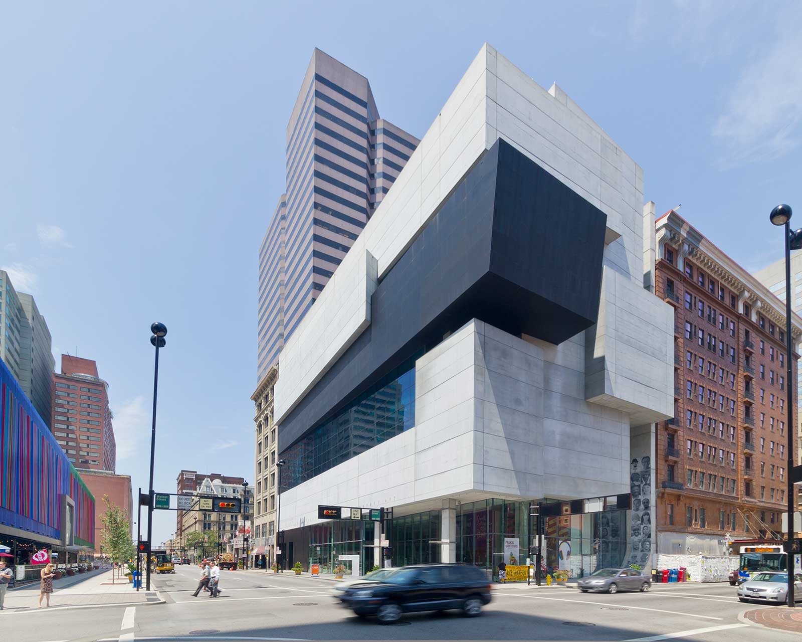 Southeast view of the Rosenthal Center for Contemporary Art.