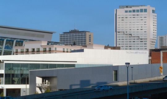 Photo of the Tacoma Art Museum from across the Internstate in Tahoma