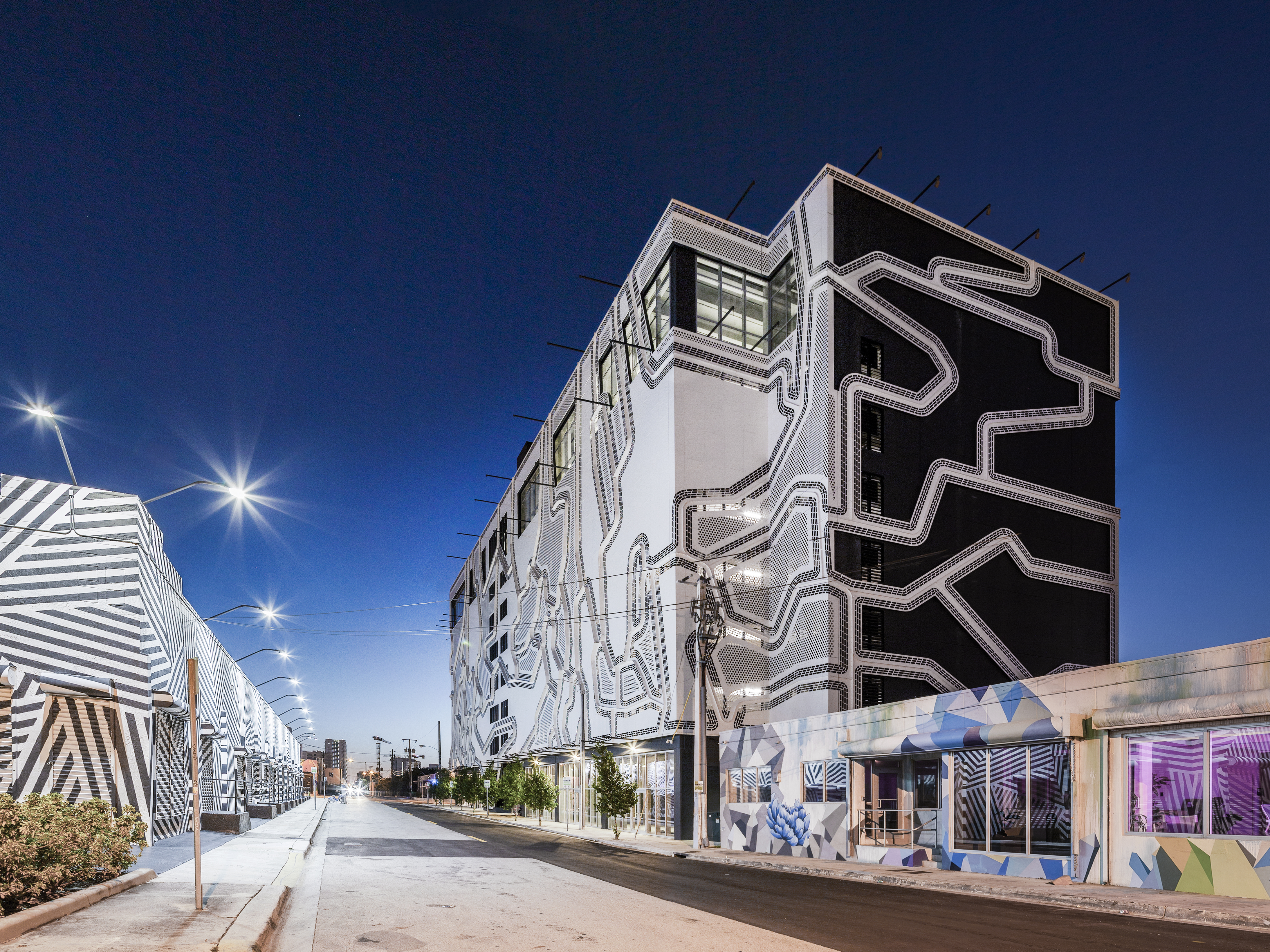 ZAHNER ENGINEERED AND FABRICATED OVER 54,000 SQUARE FEET OF FACADE PANELS.